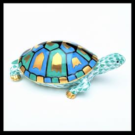 """,15302 TURTLE / TORTOISE W/ GREEN FISHNET AND GREEN, GOLD AND BLUE ACCENTS. 4.25""""D X 1.5""""T X 2.5""""W"""