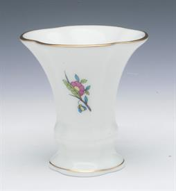 ",QUEEN VICTORIA STYLE VASE WITH ORIGINAL BOX. 2.5"". STYLE NO 06783-0-00"