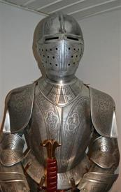 ,_MARTO OF TOLEDO SUIT OF ARMOR ETCHED STYLE MADE IN SPAIN, LIFE SIZED,  RETAIL BRAND NEW IS $9,100 AND TAKES 12-16 WEEKS