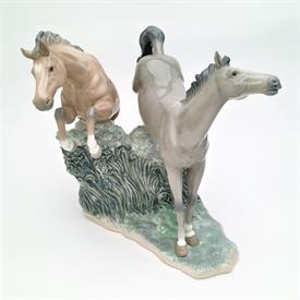 ",RARE 'WILD STALLIONS' #02000401 FIGURINE BY REGINO TORRIJOS. AVAILABLE 1992 ONLY. 10.25"" TALL, 11.25"" LONG, 8.25"" WIDE"