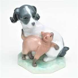 """,'DOG & CAT IN HARMONY' #1048 FIGURINE. RETIRED. 4.4"""" TALL, 3.8"""" LONG, 2.75"""" WIDE"""
