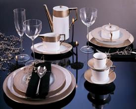 ,_4PC PLANET LUNA PLACE SETTING BY RICHARD GINORI. INCLUDES DINNER & SALAD PLATES, TEA CUP, & SAUCER. MSRP $190.00