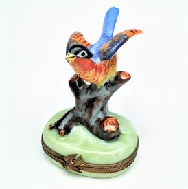 ",RARE CHAMART BIRD ON BRANCH TRINKET BOX. RETIRED. HAND PAINTED, SIGNED. 3.4"" TALL, 2.55"" LONG, 2"" WIDE"