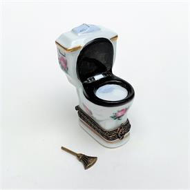 """,RETIRED PAIR OF CATS ON NIGHT SKY TRINKET BOX. HAND PAINTED, SIGNED. 2.65"""" TALL, 3.4"""" LONG, 2.5"""" WIDE"""