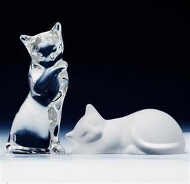 CAT PAIR WITH BOX. LEAD CRYSTAL