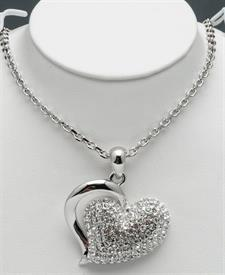 "_18""RHODIUM PLATED HEART PENDANT WITHCRYSTALS"