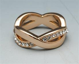 -SIZE 5 CRYSTAL AND GOLD COLORED METAL RING