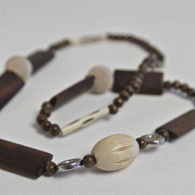 -ELIZABETH NECKLACE. NGUNI HORN MADE IN AFRICA. PROCEEDS SUPPORT ANTI-POACHING MILITIAS.
