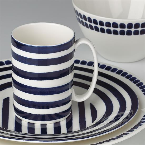"""""""NORTH"""" 4PC PLACE SETTING. INCLUDES DINNER PLATE, ACCENT PLATE, SOU/CEREAL BOWL & MUG"""