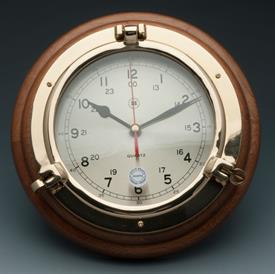 "_,PORTHOLE CLOCK BRASS ON OAK 10""X10""ROUND QUARTZ"
