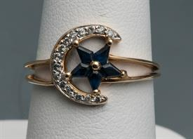 _18K YELLOW GOLD RING WITH SAPPHIRE STAR AND DIAMOND MOON. SIZE 6.75