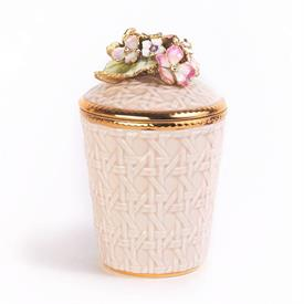 "-,RILEY PINK HYDREANGEA SCENTED CANDLE. 14K GOLD FINISHED HAND EMBELLISHED W/ SWAROVSKI CRYSTAL FINIAL ON PORCELAIN. 6.5"" TALL, 3.75"" WIDE"