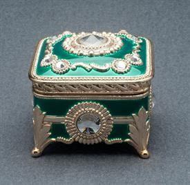 -,GREEN AND GOLD SQUARE ENAMEL MUSIC BOX WITH SWAROVSKI CRYSTALS. PLAYS MY HEART WILL GO ON BY JAMES HORNER