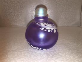 ,MAYTUM SIGNED ART GLASS PURPLE IRIDESCENT PERFUME BOTTLE WITH STOPPER. SIGNED MAYTUM STUDIOS 1985 7052 ON BOTTOM