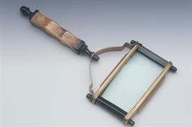 "_RECTANGULAR BONE HANDLED MAGNIFIER WITH BRASS FRAME 10.75""L"
