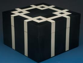 "_BONE WITH HORN SQUARE BOX 6.25"" X 6.25"" X 4"""