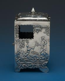 ",FRENCH THEMED BOX THAT LOOK LIKE A CARRIAGE FROM THE 18TH CENTURY - TESTED STERLING SILVER 2.45 TROY OUNCES 3.1"" TALL -COOL LITTLE PIECE"