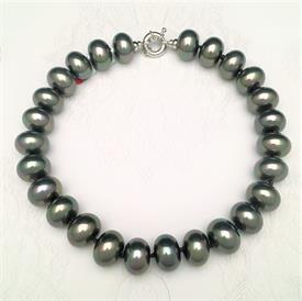 ",_70117S 17"" BLACK DISC SHAPED PEARL STRAND"