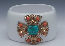 ,-MALTESE CUFF IN WHITE