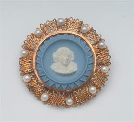 14K YELLOW GOLD, WEDGEWOOD BROOCH 1.5 INCHES LONG 10 GRAMS GROSS WEIGHT