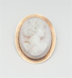 10K YELLOW GOLD, SHELL CAMEO BROOCH 1.1 INCHES LONG 6 GRAMS GROSS WEIGHT