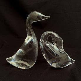 ",PAIR OF VINTAGE DUCKS/GEESE FIGURINES. 3.8"" & 5.5"" TALL."