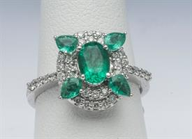 14K WHITE GOLD, EMERALD AND DIAMOND RING 5 GRAMS GROSS WEIGHT SIZE 7