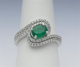 14K WHITE GOLD, .78 CARAT EMERALD AND .45 CARAT DIAMOND RING 5 GRAMS GROSS WEIGHT SIZE 7