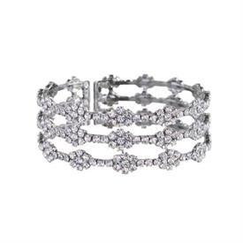 -SILVER & CRYSTAL DIAMOND SHAPED BRACELET