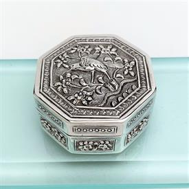 ",CHINESE EXPORT STERLING SILVER SNUFF/PILL BOX WITH BIRD IN TREE MOTIF. EARLY 20TH CENTURY. UNKNOWN MAKER. 2"" WIDE, 1"" DEEP, 1.05 OZT"