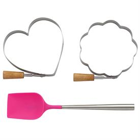 """_,3 PIECE PANCAKE GIFT SET. INCLUDES 2 HANDLED FORMS & ONE 8"""" SPATULA."""