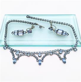 """,SIGNED WEISS NECKLACE & SCREW BACK EARRINGS SET. EARRINGS MEASURE 1.5"""" LONG. NECKLACE MEASURES 15.5"""" LONG. CA. 1950'S"""
