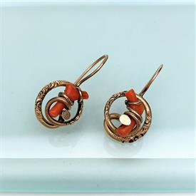 ",STERLING SILVER WITH WEDGWOOD CREAM ON CELADON JASPERWARE CAMEO PENDANT WITH ORIGINAL BOX. .8"" WIDE"