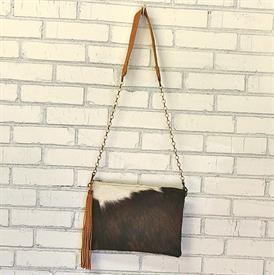 -,ENVELOPE CROSSBODY IN TONTO. ALL HIDE COLORS WILL VARY