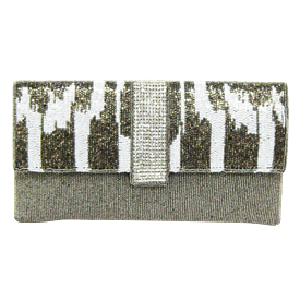 "-,GREY, WHITE & SILVER BEADED CLUTCH WITH CHAIN STRAP. 10"" LONG, 5"" TALL"