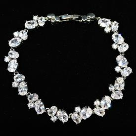 "-,CLEAR CZ OVAL CLUSTER BRACELET. 7.45"" LONG"