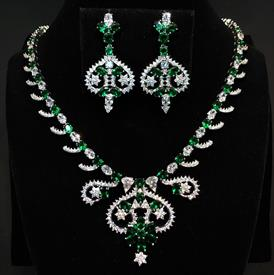 "-,EMERALD GREEN & CLEAR CZ 'SWIRLS & STARS' CZ NECKLACE & POST BACK EARRING SET. 17"" NECKLACE WITH 1.5"" DROP. 1.9"" EARRINGS"
