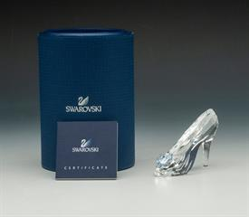 ",DISNEY CINDERELLA SLIPPER #5035515 WITH ORIGINAL BOX AND COA. LIMITED EDITION TO 2015. 2"" X 3"" X 1.25"""