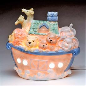 "-NOAH'S ARK NIGHTLIGHT. 6.75"" LONG, 3.75"" WIDE, 6.25"" TALL"