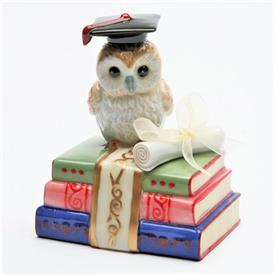 """-,'DEGREE OF WISDOM' OWL ON BOOKS MUSIC BOX. PLAYS 'OVER THE RAINBOW'. 2.4"""" LONG, 2.75"""" WIDE, 4.2"""" TALL"""