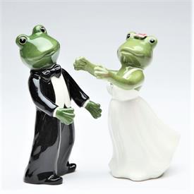 """_FROG BRIDE & GROOM SALT & PEPPER SHAKER SET. 2"""" WIDE, 4.2"""" TALL"""