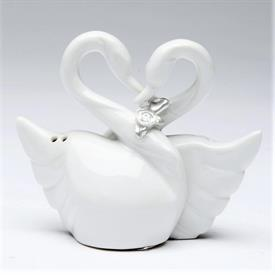 "_SWAN COUPLE SALT & PEPPER SHAKER SET. 3.5"" LONG, 1.75"" WIDE, 2.8"" TALL"