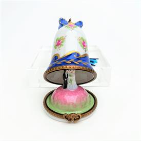 ",RETIRED PARASOL COLLECTIONS GOLF BAG ON WHEELS TRINKET BOX. HAND PAINTED. 3.4"" TALL, 2.4"" LONG, 1.65"" WIDE"