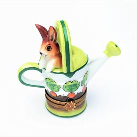 ",RETIRED WATERING CAN WITH BUNNY RABBIT TRINKET BOX. HAND PAINTED, SIGNED. 2.6"" TALL, 2.75"" LONG, 1.25"" WIDE"