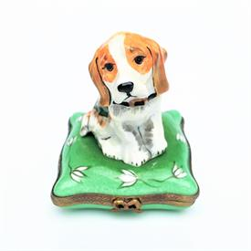 ",RETIRED EXIMIOUS BEAGLE/HOUND/HUNTING DOG TRINKET BOX. HAND PAINTED. 2.8"" TALL, 2.1"" WIDE"