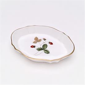 ",PIN DISH, SILVER TRAY. 4.25"" LONG, 3.25"" WIDE, .6"" DEEP"