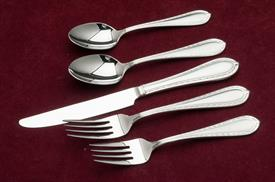 ,5pc place settings new in box