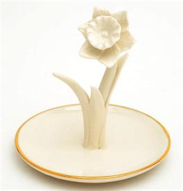 "-DAFFODIL RING HOLDER 4.25""WHITE FLOWER."