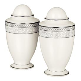 -SALT & PEPPER SHAKER SET